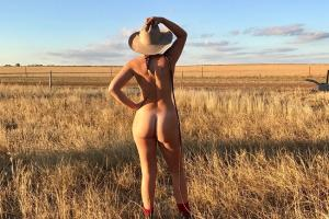 Фото the.naked.farmer