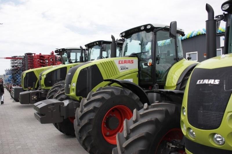 Трактори CLAAS 850 AXION
