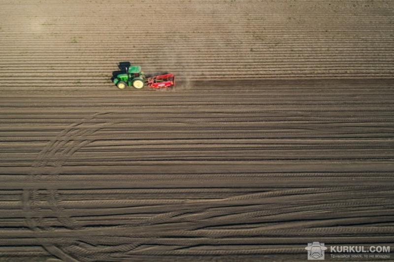 Фальсифіковане мастило вивело з ладу 5 одиниць техніки у фермера з Кропивниччини