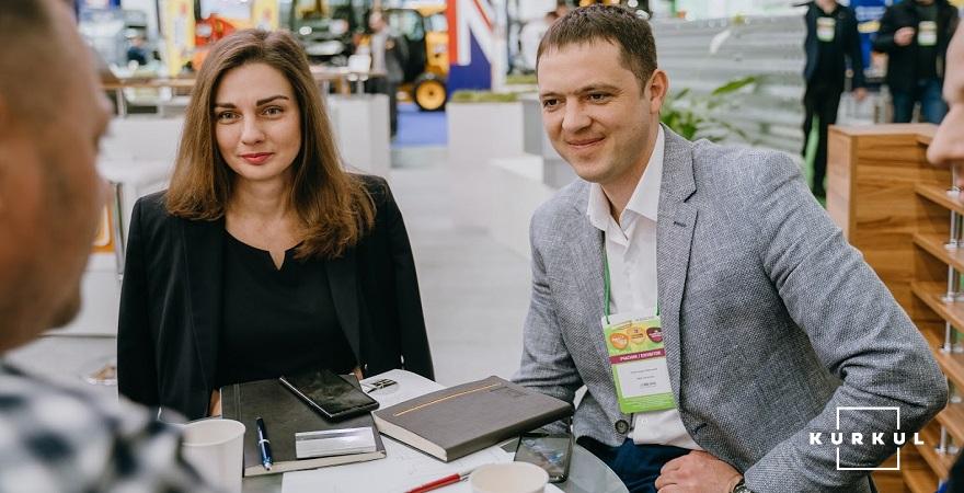 Олександр Небеський разом з генеральним директором KMZ Industries Валерією Калашник