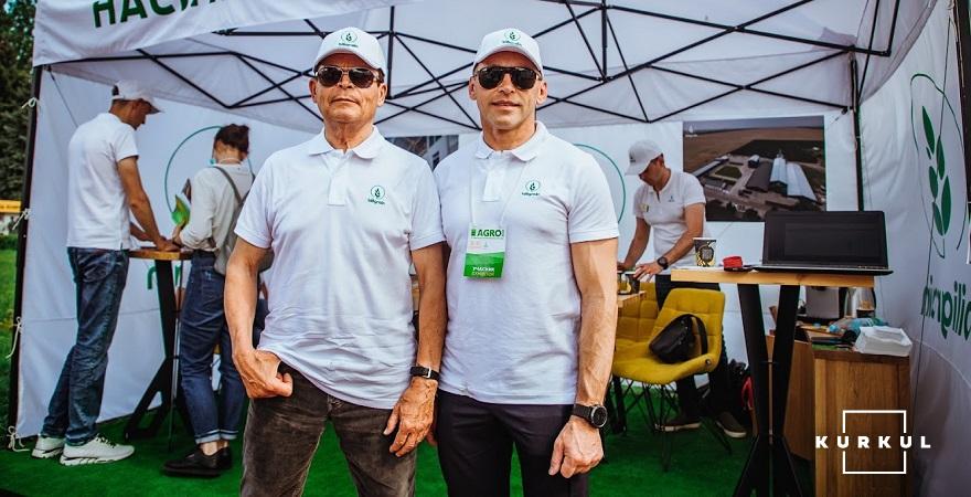 Олександр Рибалка разом з Олегом Білявцем, директором компанії «Biligrain»