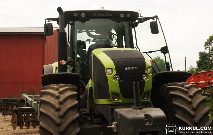 Трактор у ПСП «Хлібороб»