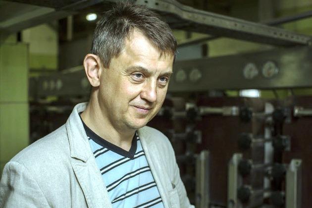 Сергій Самоненко проводить екскурсію заводом