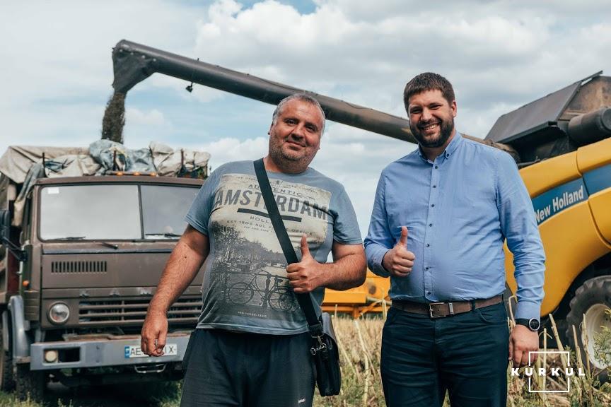 Андрій Булгаков керівник ФГ «УНІРЕМ-АГРО ПЛЮС» (ліворуч) та Артем Ремпен операційний директор  G.R. Agro (праворуч)