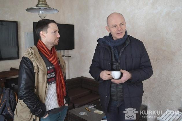 Моріс Мейер спілкується з українським фермером Антоном Дундієм