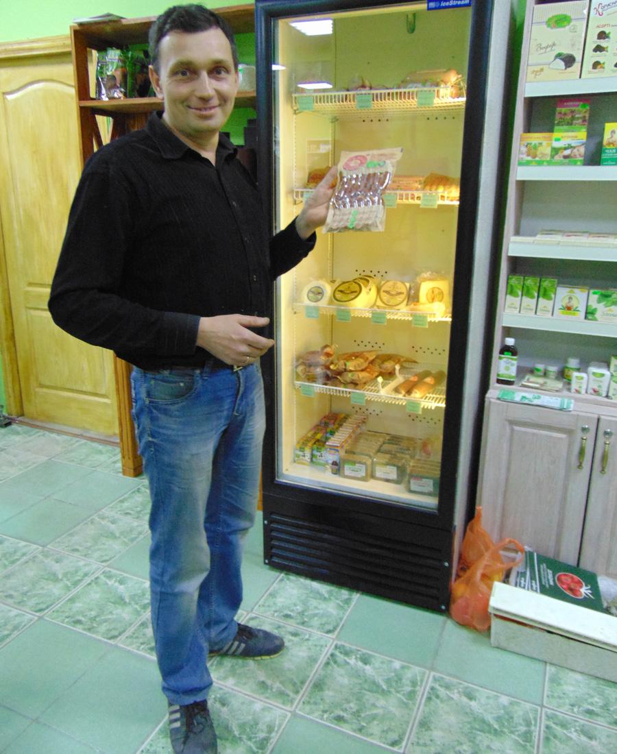 Андрій Марченко у власному магазині, м.Шостка