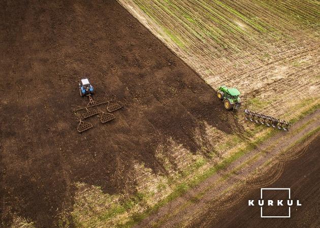 Обробіток ґрунту господарства СВК «Вівсяницький»