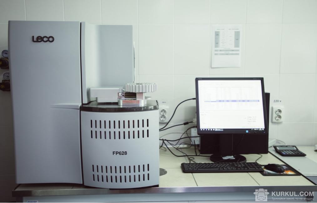 Аналізатор азоту/протеїну в рідких і твердих зразках (визначення протеїну методом Дюма)