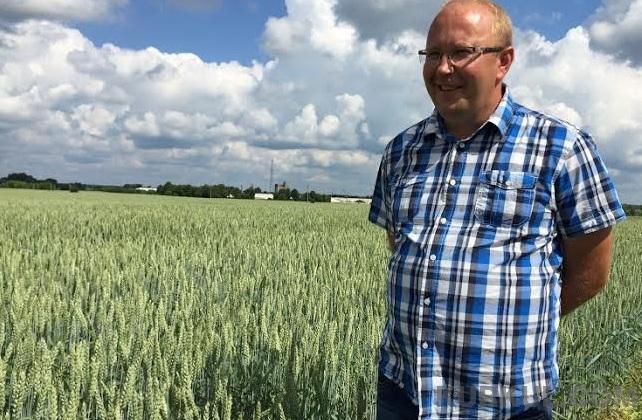 Голова сімейного фермерського господарства «Безух» Олександр Безух