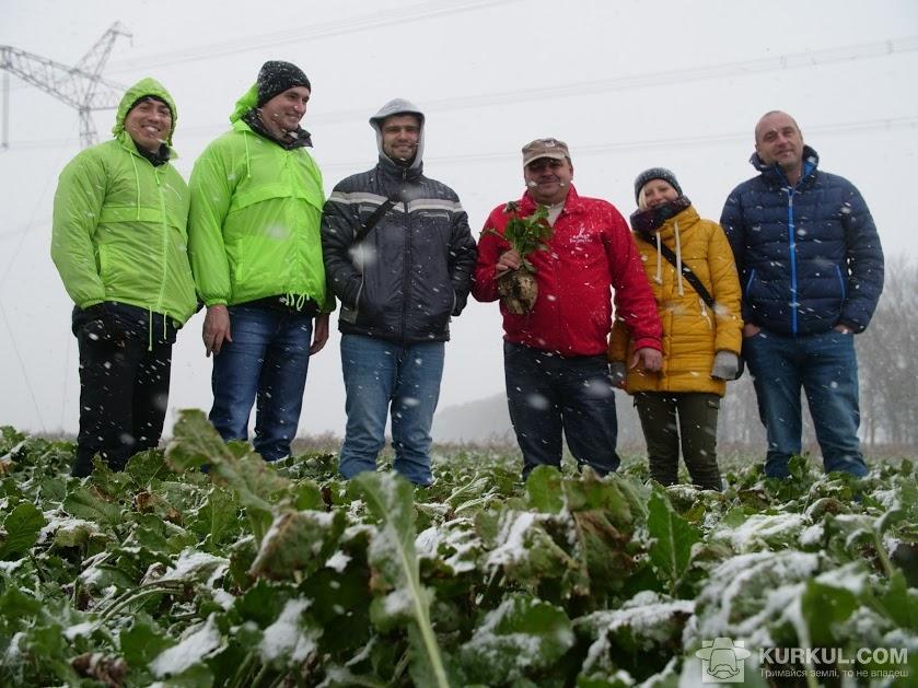АгроЕкспедитори у полі буряків