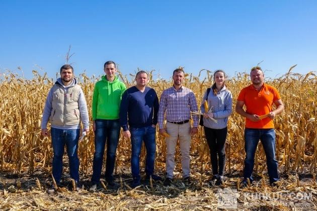 АгроЕкспедитори в полі «Санті»