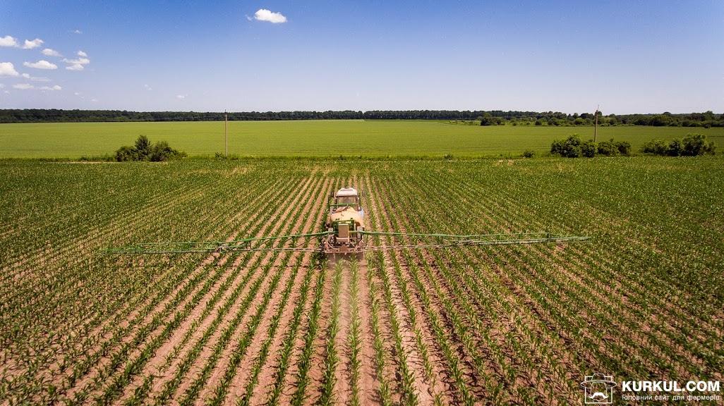 Внесення ЗЗР на полі господарства «Криниця