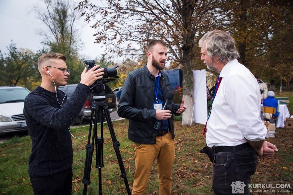 Команда Kurkul.com бере інтерв'ю у британського експерта