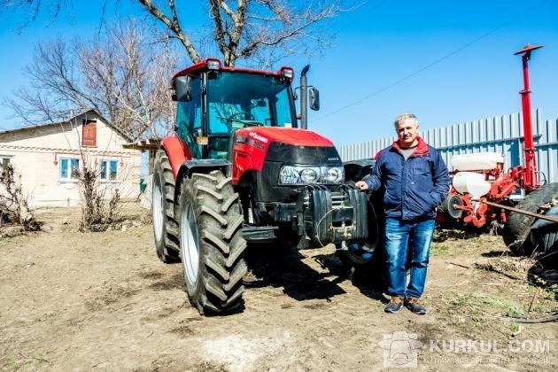 Юрій Мороз та трактор Case