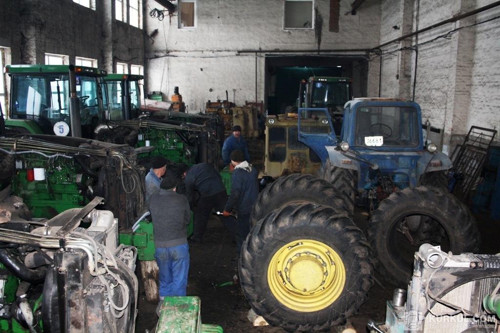 Тракторна майстерня у ДПДГ «Шевченківське»