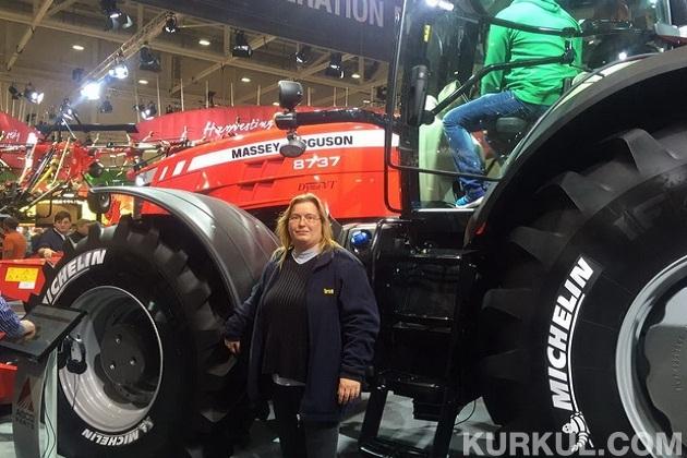 Німкеня,яка підбирала хорошого трактора