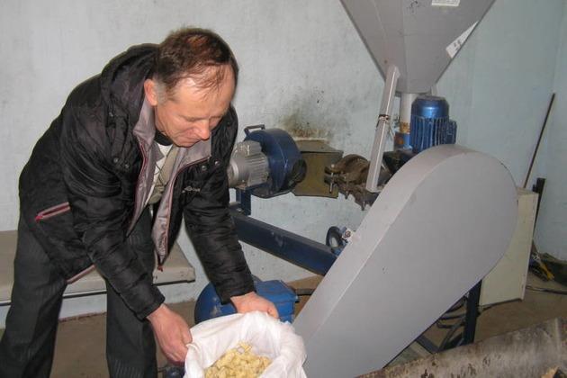 Обладнання для переробки кукурудзи в екструдовані корми